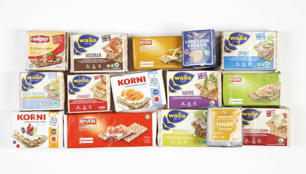 TEST AV KNEKKEBRØD: Vi har kjøpt og testet 15 tradisjonelle knekkebrødpakker for å finne de sunneste.