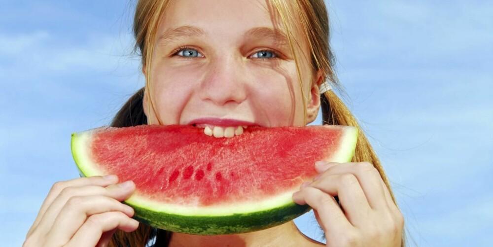 ENKELT: Du kan enkelt bytte ut mat som er rik på karbohydrater med matvarer som tilfører kroppen viktige næringsstoffer.