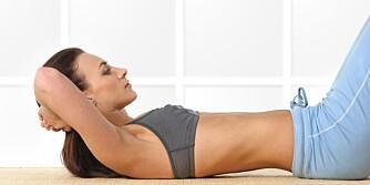 FLAT MAGE: Husk at hele kroppen må trimmes hvis du skal få flat mage innen sommeren.