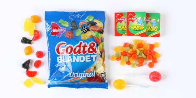 Fruktgodteri har færre kalorier enn sjokolade. 12 Godt og Blandet er 150 kalorier. Eller du kan spise 2,5 boks med smurf fruktpastiller.