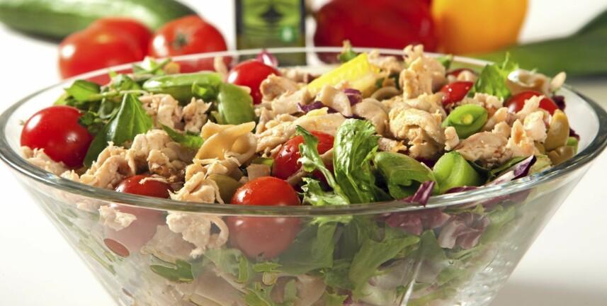 KYLLING: En frisk kyllingsalat er et fristende lavkarbo-måltid.