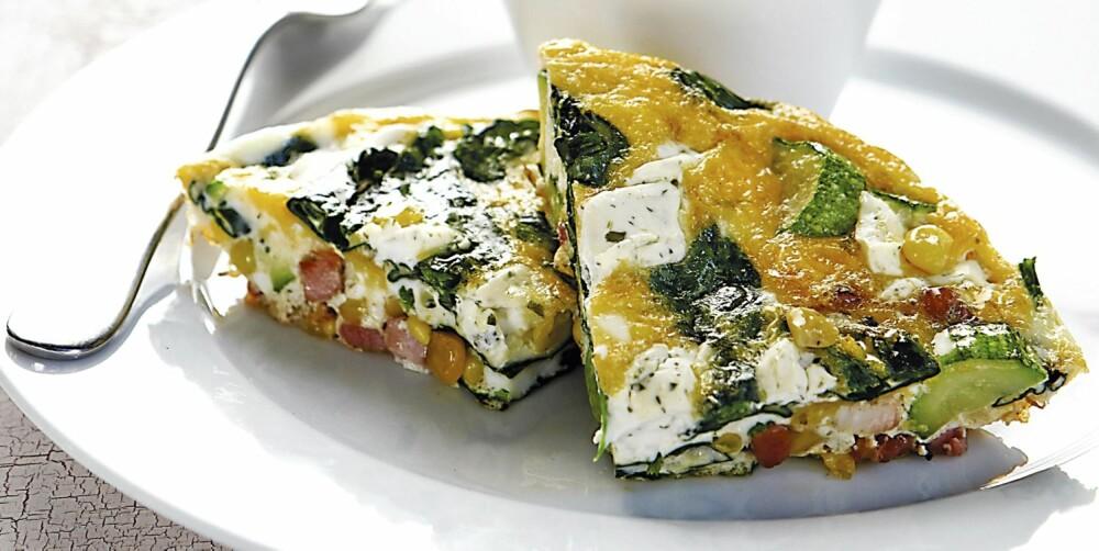 KJAPT: Omelett med squash, spinat, bacon og kremost.
