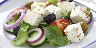 MIDDELHAVSMAT: Dette er sunn mat, med mindre sukker og stivelse enn det tradisjonelle norske kostholdet, mens inntaket av grønnsaker, nøtter, bær, belgfrukter, sjømat og fjærkre er større.