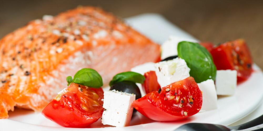 SUNN MIDDAG: Middagen bør inneholde karbohydrater, fett og protein. Spis gjerne fisk to-tre ganger i uken.