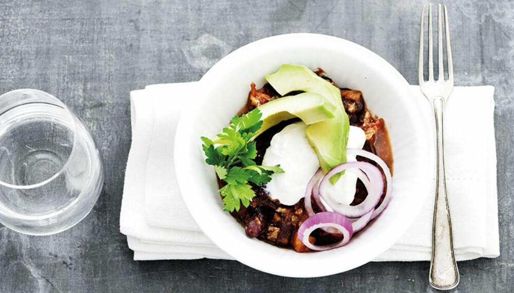HOT OG GODT: Chili con carne med bønner får fart på forbrenningen og metter godt. Se oppskrift lenger ned i saken.