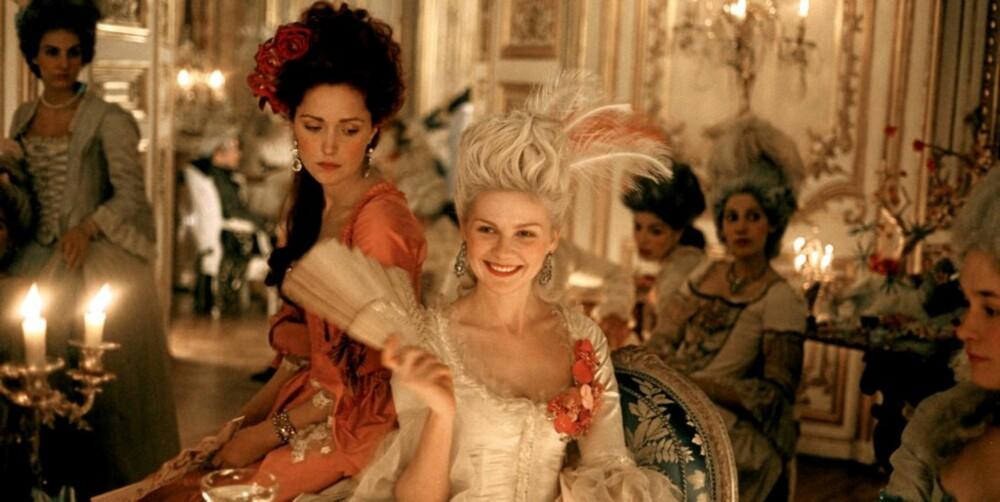 FORFØRERISK: Marie Antoinette hadde en kropp som kunne friste. Men dagens menn hadde neppe satt pris på lukten. På film ble hun passende nok spilt av Kirsten Dunst.