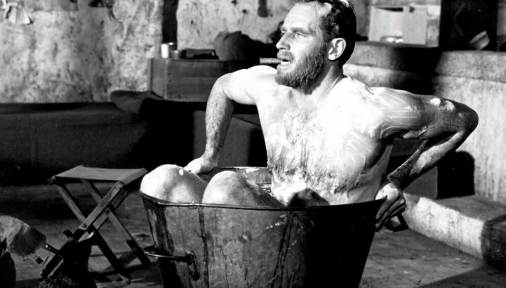 TRANGT: Skuespiller Charlton Heston fra en film fra 1961. I historien har det versert mange merkelige myter om kroppsvask. Noen trodde til og med man kunne bli syk, eller dø av å vaske seg.