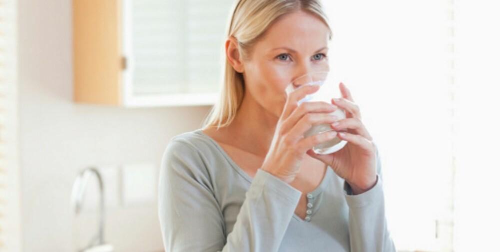 VANN, VANN, VANN: Drikker du nok i løpet av dagen? Hvis ikke er det fort gjort å spise mer enn nødvendig.