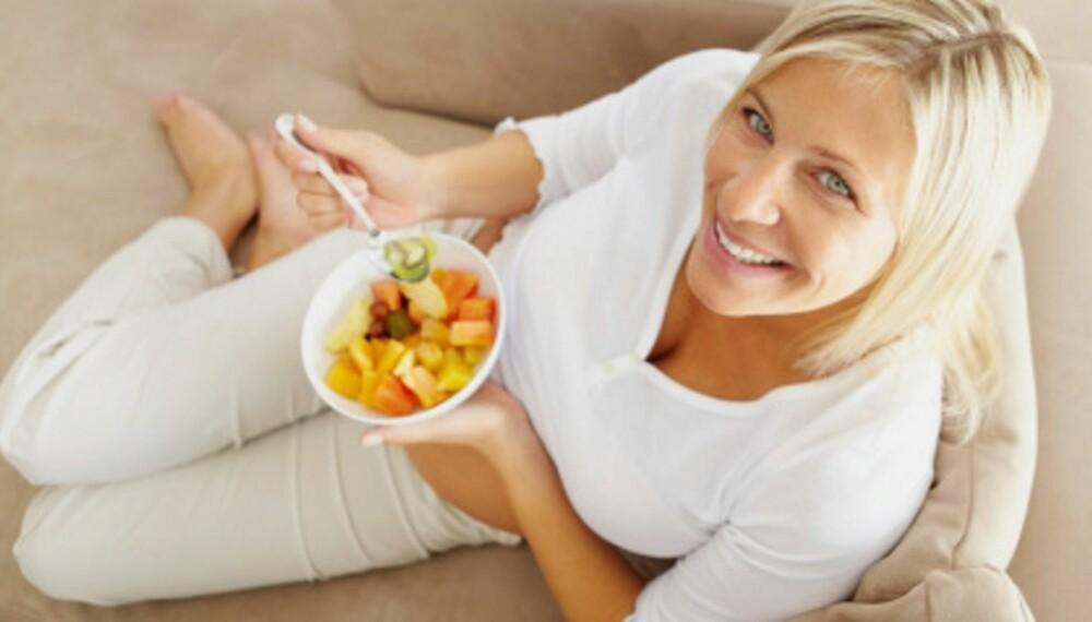 NYT MATEN: Tar du deg god tid og fokuserer på måltidet, er det enklere å lykkes med vektreduksjonen.