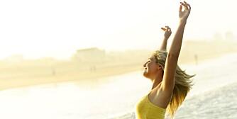 DAGLIG DOSE: - 10 minutter daglig med sol på ansikt og armer i sommerhalvåret, midt på dagen og uten bruk av solkrem, er nok, sier professor og D-vitamin-forsker Johan Moan.