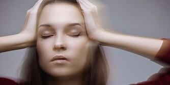 SVIMMEL: Det er mange årsaker til svimmelhet. Vi kan skille mellom svimmelhet forårsaket av tilstander eller sykdommer i hjernen, og svimmelhet som skyldes tilstander utenfor hjernen.