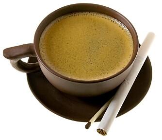 USUNT: Det er ikke sunt å leve på røyk og kaffe.