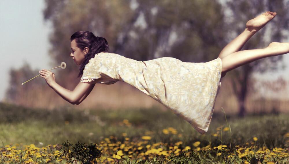 DRØMMER: Drømmer om å fly kan fortelle om fantasilignende, kreative og intuitive opplevelsesmåter.