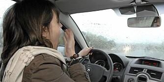 VÆR FORSIKTIG! Har du tatt sovepiller kvelden før, bør du passe på å være ordentlig våken før du setter deg bak rattet. Hvis ikke, har du nedsatt reaksjonsevne og kan bli like farlig i trafikken som en promillekjører. Det blir du også dersom du har sovet alt for lite.