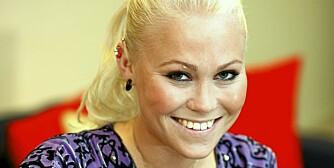 MYE HÅP: Ingeborg tør endelig tenkte tanken at hun kan bli helt frisk. Det siste året har hun doblet kroppsvekten. -Pupper har jeg ikke hatt på 10 år. Det er veldig rart å ha fått former, og det er artig ikke å se syk ut blant ukjente, sier hun.