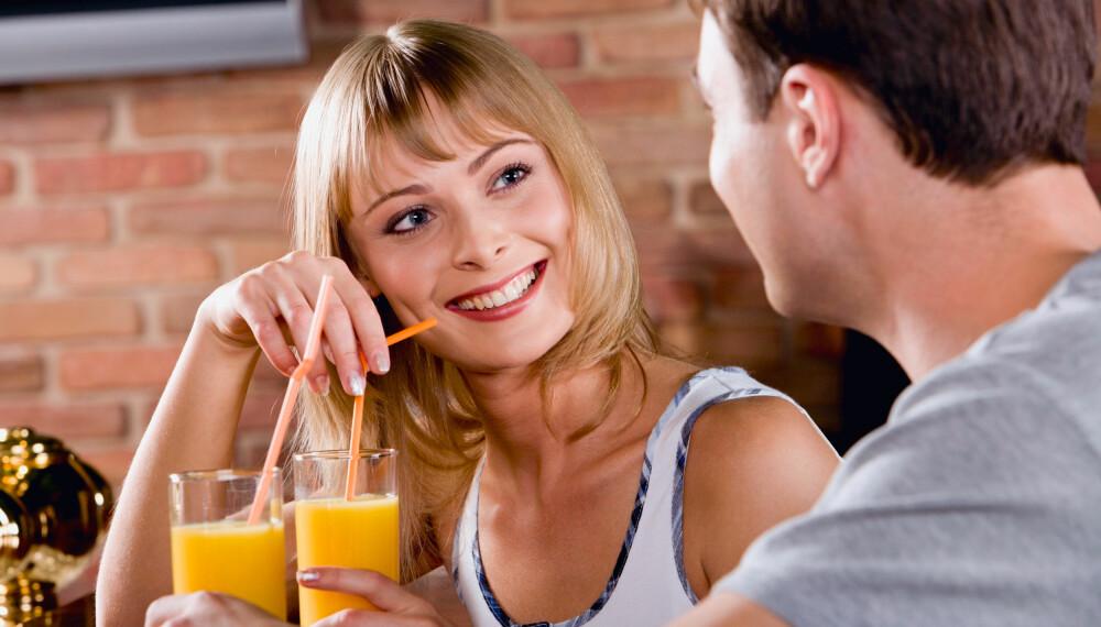 BETATT: Det er helt vanlig å bli småforelsket av andre enn partneren sin, men det er en myte at forelskelse ikke kan styres.