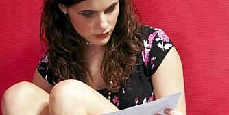 SJALUSI: Kjæresten til innsenderen forlanger at han skal brenne gamle brev fra eksene sine. Han vil beholde dem som minner.