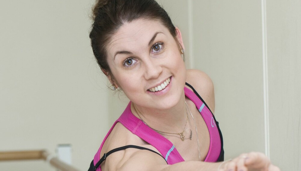 DANSER MED SJØGRENS SYNDROM: Susann Carine Olsen (29) har fulgt drømmen om å danse, til tross for at hun har en kronisk sykdom og dager med store smerter.