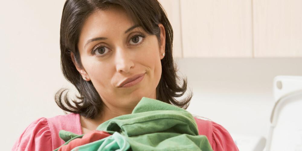 IKKE NOE PROBLEM: Flekker på klærne er ikke noe problem om du har sitron, natron eller salt i huset.