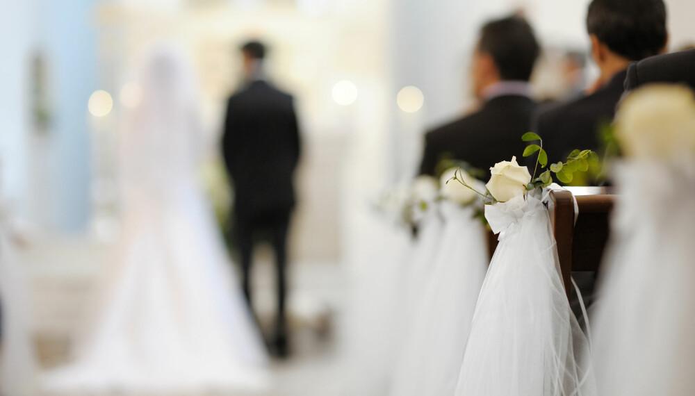 SNAKK SAMMEN: God kommunikasjon er viktig i et forhold, og det er enkelte emner dere med fordel kan snakke om før dere gifter dere.