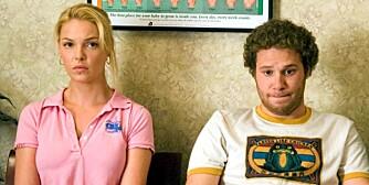 """NIVÅFORSKJELL: En studie slår fast det mange har visst hele tiden: Mindre pene menn tror de har sjans på smellvakre kvinner. Her fra komedien """"Knocked Up"""", der superpene Alison (Katherine Heigl) gir den noe mer slække Ben (Seth Rogen) en sjanse."""