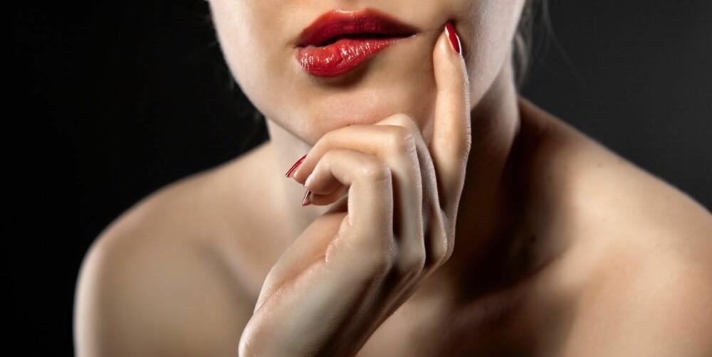 GRISEPRAT: Sengesnakk, gjerne av den litt grisete sorten, kan gi sexlivet en dytt, fastslår psykologer.