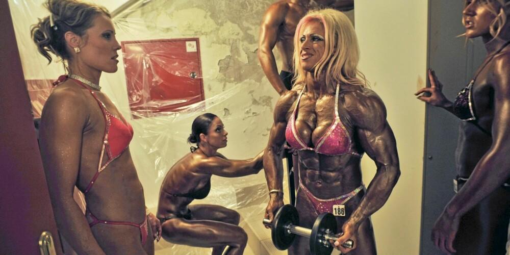 NULL FETT: Profesjonelle utøvere av muskelidretter tømmer kroppen for både vann og underhudsfett før en konkurranse. Det gir et feilaktig bilde av hvordan en trent kropp ser ut.