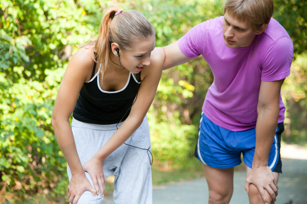 OVERDREVEN BELASTNING: Jumper's knee oppstår som hos de som overdriver belastningen av hopp, løft eller landing. Smertene er som regel lokalisert i nedre del av kneskjellet. FOTO: Colourbox