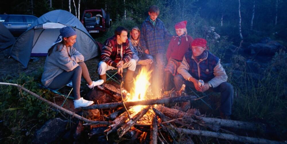 HØYDEPUNKTET: For friluftsfolk flest er bålet turens høydepunkt. Det skal helst lukte litt bål av klærne etter en vellykket tur!