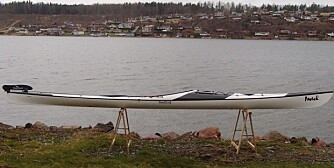 Seabird Inuk er både klassisk og moderne. Baugen er buet og ganske bratt, slik at vannlinjen er nesten like lang som totallengden.