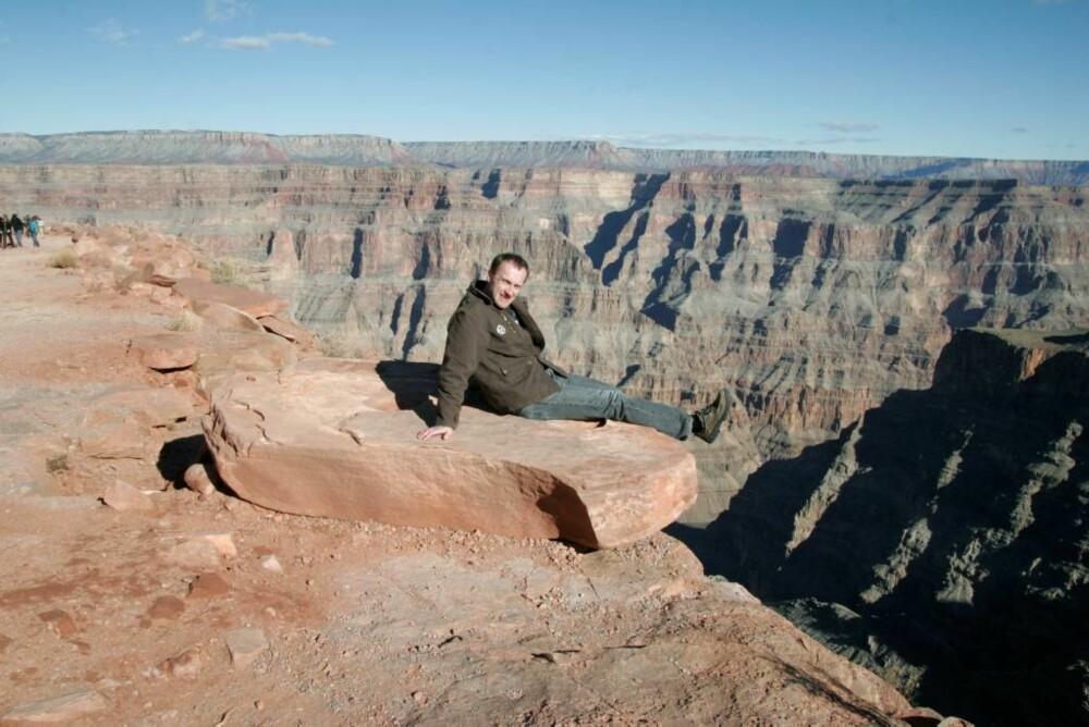 LANGT NED: Grand Canyon er et av naturens egne underverker, en 450 km lang revne i landskapet.