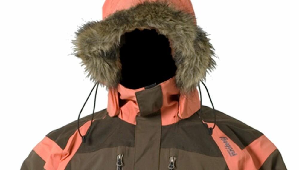 SKIJAKKE: Bergans Sirdal kjenner mange igjen fra TV-serien 71 grader nord. Ifølge vår test er det en god vinter- og skijakke, men ingen allround skalljakke.