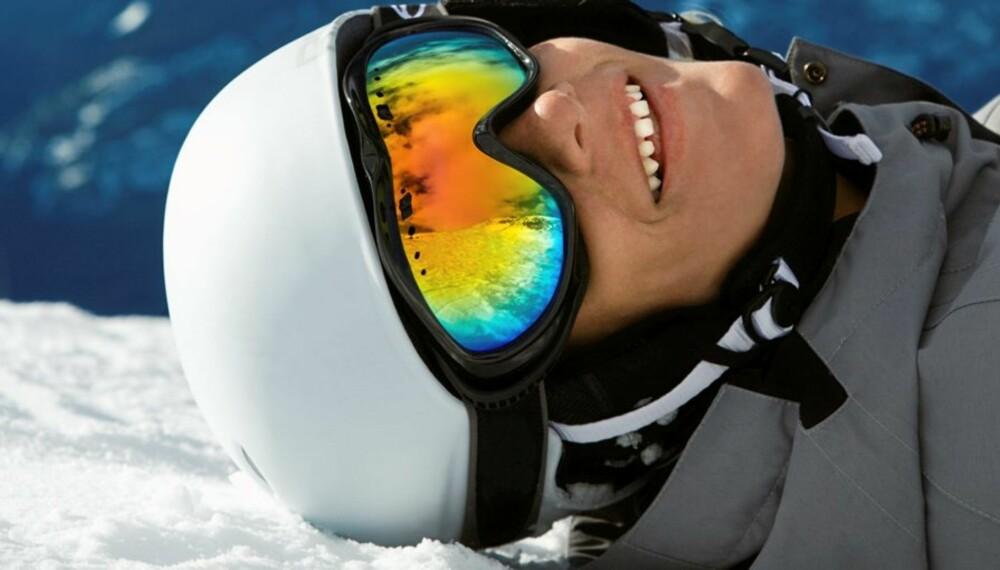 TRYGG I BAKKEN: For ti år siden brukte bare 10 prosent hjelm. Nå passer 70 prosent på hodet når de står på ski eller snowboard.