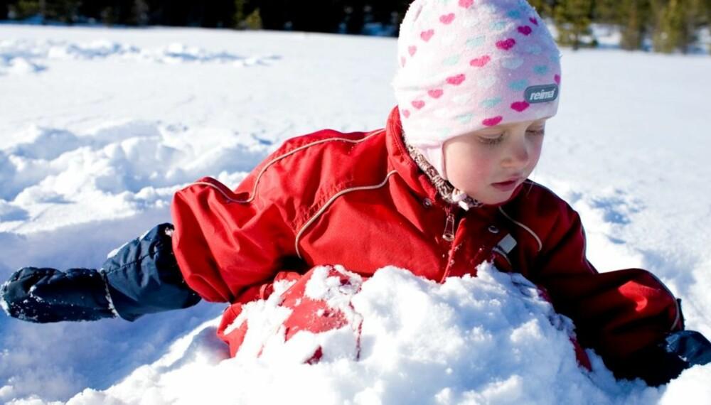 VARM OG GOD: Hvordan du kler på barna er vitkig for hvordan de holder kulda ute.