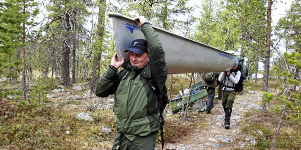 KANO-BÆRING: Skal man inn til de gode fiskeplassene må man slite litt!