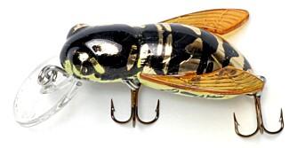 """REBEL BUMBLE BUG: Flytende, insektlignende wobbler med dykkeskje og vinger. Kan fiskes """"tørt"""" som crankbait eller tvinges til å dykke. Prøv vepsevarianten etter en kraftig regnbyge! Fiskedyp: 0,5¿1,5 m, 89 kr på www.tundraoutdoor.no."""