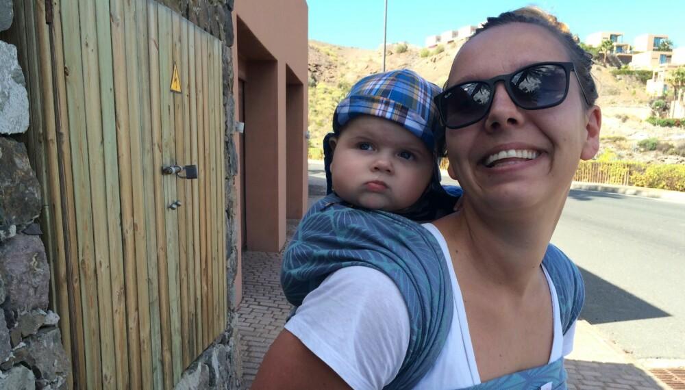 BÆREBABY: Hvorfor skal en baby som blir båret vekke så sterke reaksjoner? undrer Caissa Gjølberg.