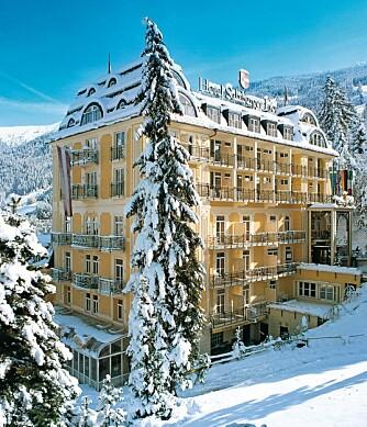 HOTELLET: Hotel Salzburger Hof er gammelt, stilfullt og ærverdig med eget svømmebasseng og massevis av lekerom og lekemuligheter for den som har barn med på turen.