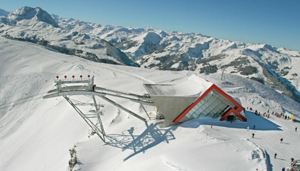 KLAR FOR SKILØPERE: Årets første snø i St.Lary i de franske Pyreneene.