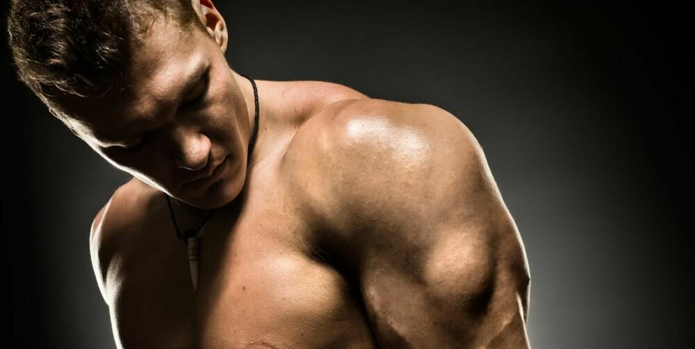 TRICEPS: Dips er en fin øvelse for å trene musklene på baksiden av overarmen.