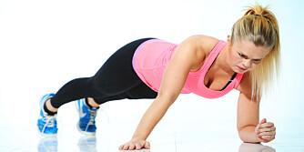 PLANKE: Å klatre i planke gir deg magemuskler på kort tid. FOTO: Rolf Ørjan Høgset