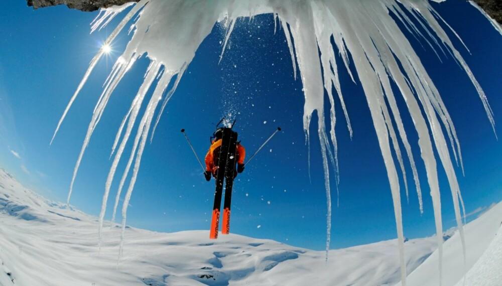 HER KOMMER VINTER´N: Snøkanonene står klare, og kuldegrader er underveis. På Voss meldes det en meter snø til helga.