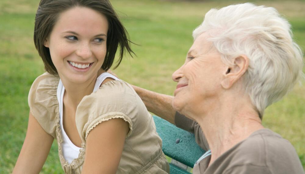 GENETISK: Grått hår går ofte i arv, så hvis din mor er hvit i håret, kan det godt hende du blir det også.