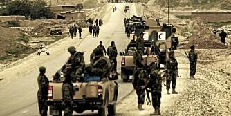 AFGHANISTAN: Veibomber og bakhold kan true på soldatenes ruteinoppdrag.
