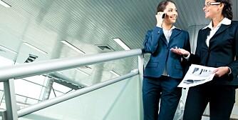 TA TRAPPEN: Å gå i trappen øker forbrenningen seks ganger, så ikke la muligheten gå fra deg når du er på jobb.