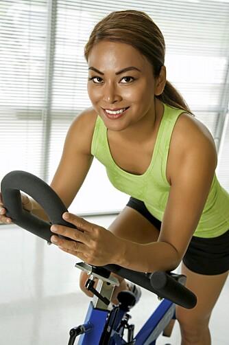 YTER MER: En kopp kaffe før trening kan også gjøre at du yter mer på trening.