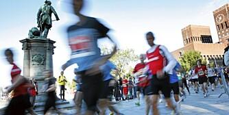 OSLO MARATON: Hvis du vil forbedre løpeformen i sommer, har vi de beste tipsene.  Oslo Maraton startet på Rådhusplassen i Oslo søndag formiddag. Aksjon. Foto: Håkon Mosvold Larsen / SCANPIX