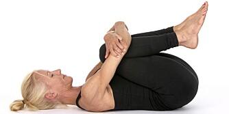 BYTT BEIN: Til slutt skal du bøye begge beina samtidig.