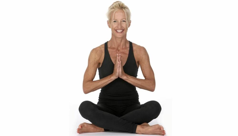 YOGA: Innenfor Yoga sier man at det er i ryggsøylen energien ligger. Det er også gjennom den at all informasjonen sendes til hjernen. Ved å tøye og strekke den, vil du føle deg kvikkere.