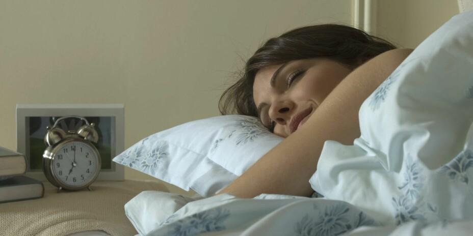 MENS DU SOVER: Forbrenningen stopper ikke opp selv om du sover.